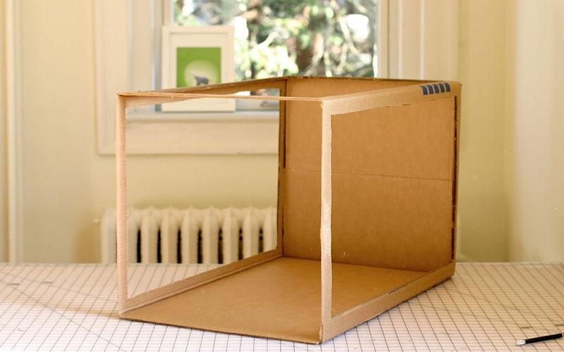 DIY-light-cutting-the-box