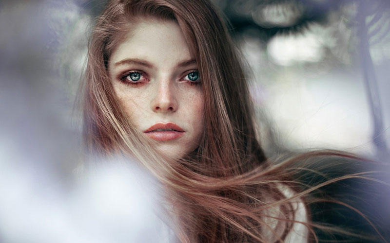 Lady with a bokeh frame