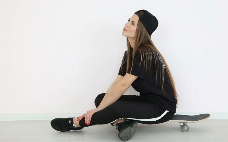 freestyle-sitting-pose-hopping-on-wall