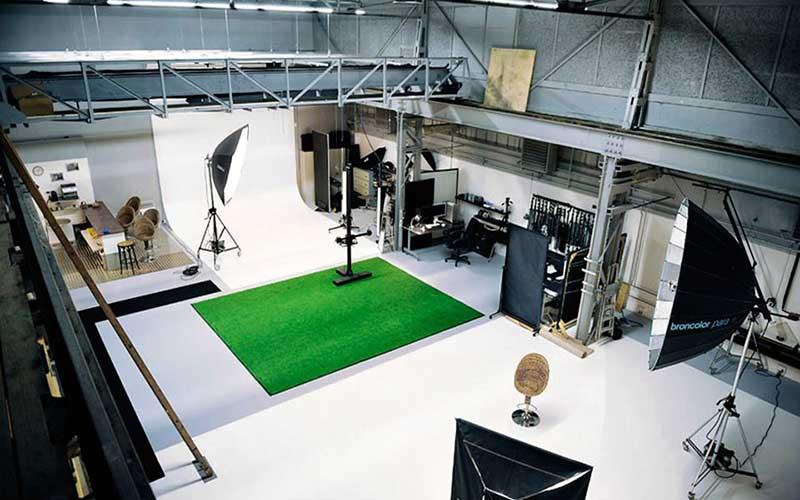 Professional-Photographic-studio